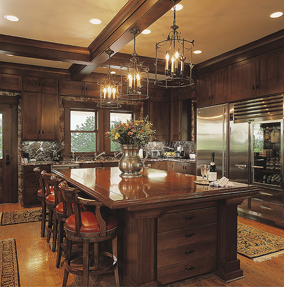 Large wood kitchen with center island